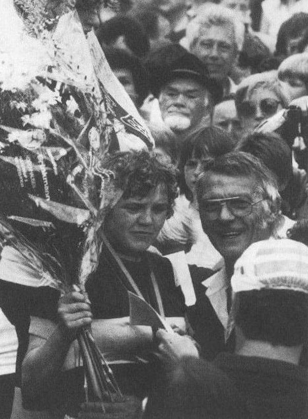 Am 5.7.1981 wird Marianne Stuwe, bei unserem Rennen in Lippinghausen, Deutsche Vize-Meisterin hinter Gaby und vor Beate Habetz aus Köln. Neben ihr unser Heinz Sussiek.